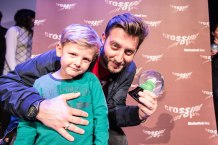 Siniša Vidović director_award winner local artist 2016_with son_photo Christoph Thorwartl_subtext.at